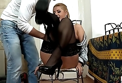 Daria Glower Sucks the Repairman for Pay