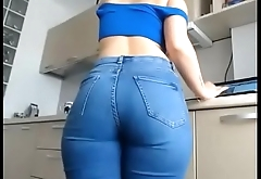 sweet ella in hot jeans