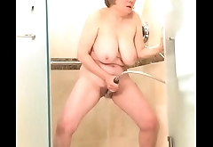 Watch me play with myself in the shower