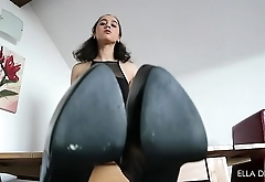 You Don'_t Deserve To Lick My Boots